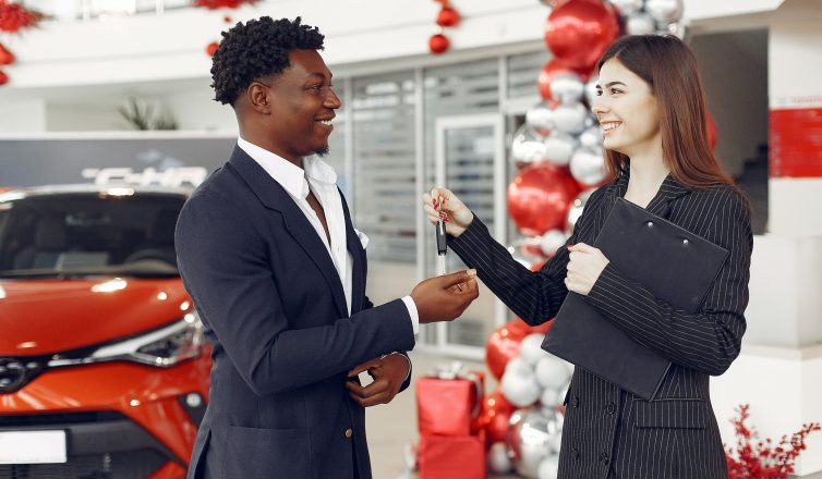 Woman gives keys for car title loan